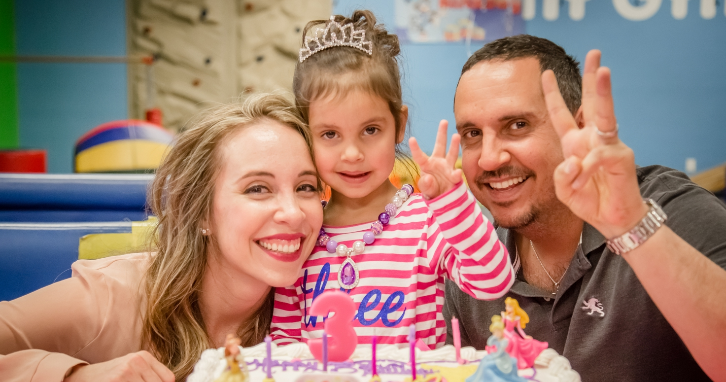 Event photography photo session third birthday party Eliana princess Elsa Frozen at My Gym in Encino Los Angeles California 12/10/2017