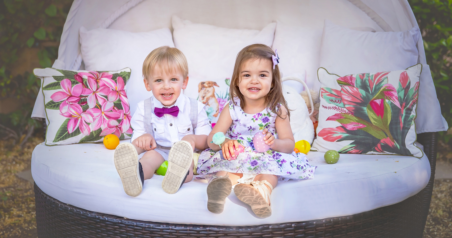 Kids photography children photo session with Danny and Julia and their cousins on Easter Bunny at their backyard in Studio City Los Angeles California 04/18/2019